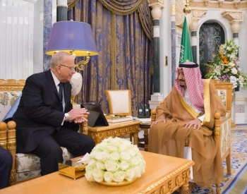 The Custodian of the Two Holy Mosques King Salman bin Abdulaziz Al Saud received at Al-Yamamah palace here today the Minister of Justice of the Arab Republic of Egypt, Mohamed Hossam Abdel-Rahim, currently on a visit to the Kingdom.