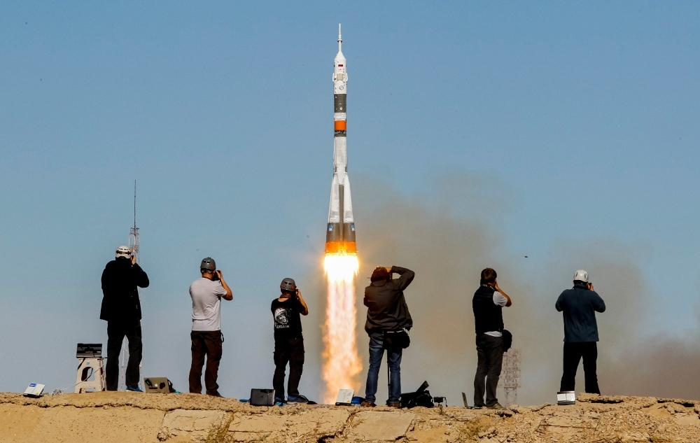 تعطل الصاروخ يدفع طاقم فضاء «سويوز» للهبوط اضطراريا