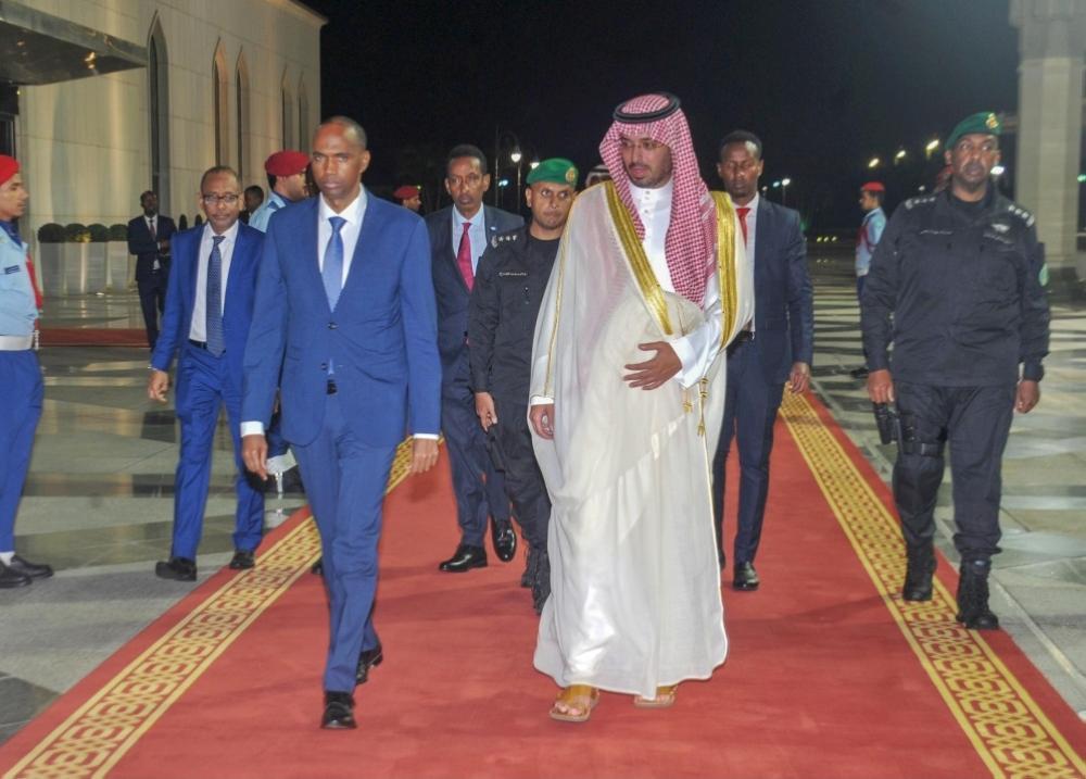 رئيس الوزراء الصومالي يغادر جدة
