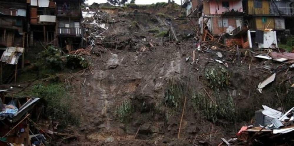 مقتل 31 شخصا في انهيار أرضي بشرق أوغندا