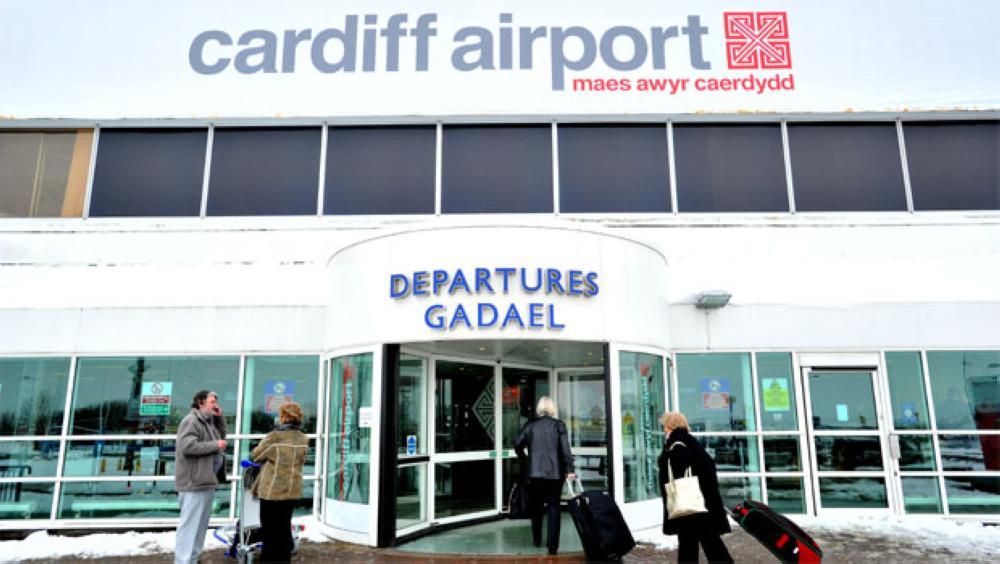 بريطانيا تلغي الرحلات الجوية من مطاري كارديف وإكستر بسبب «كالوم»