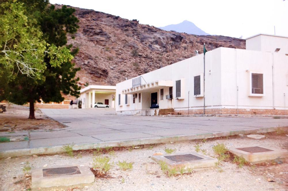 المركز الصحي في قفيلان بلا خدمات.