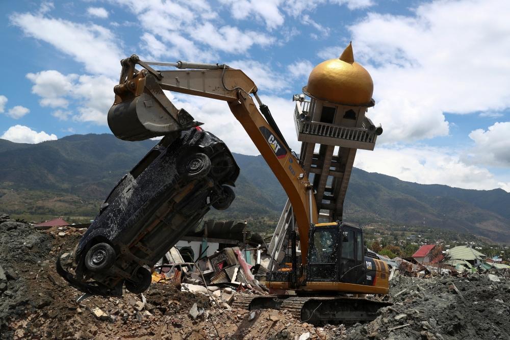 ضحايا زلزال إندونيسيا.. 2113 قتيلًا وألف مفقود