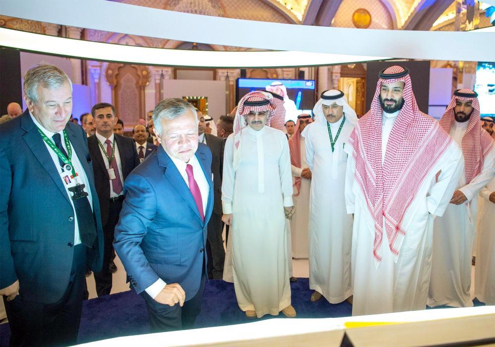 ولي العهد الأمير محمد بن سلمان وملك الأردن خلال منتدى مبادرة الاستثمار.