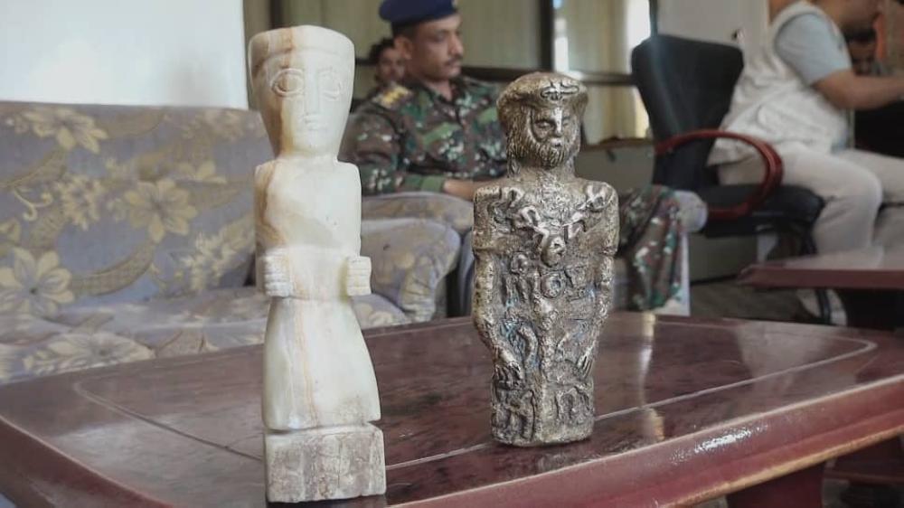 اليمن: إحباط محاولة تهريب تماثيل أثرية قديمة باعتها المليشيا الانقلابية لسماسرة