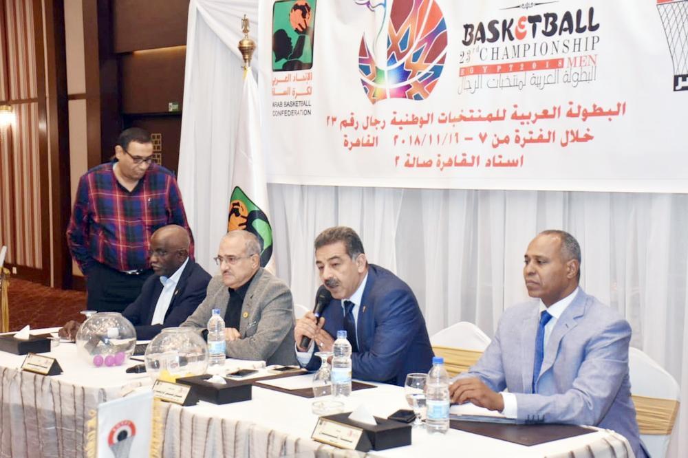 اللجنة الفنية للبطولة خلال اجتماعها أخيراً.
