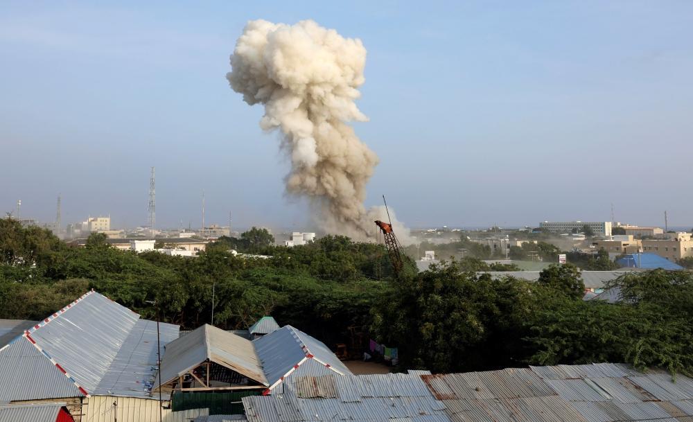 آثار التفجير في مقديشو