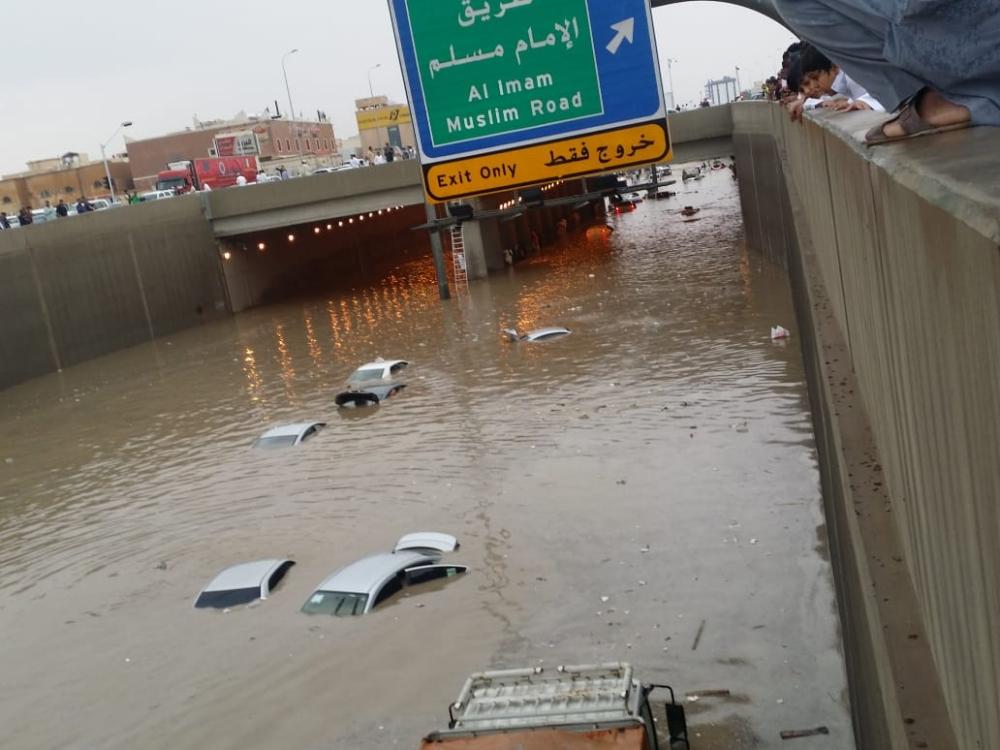 نفق حمزة بن عبدالمطلب على طريق ديراب غربي الرياض. (تصوير: عبدالعزيز اليوسف)