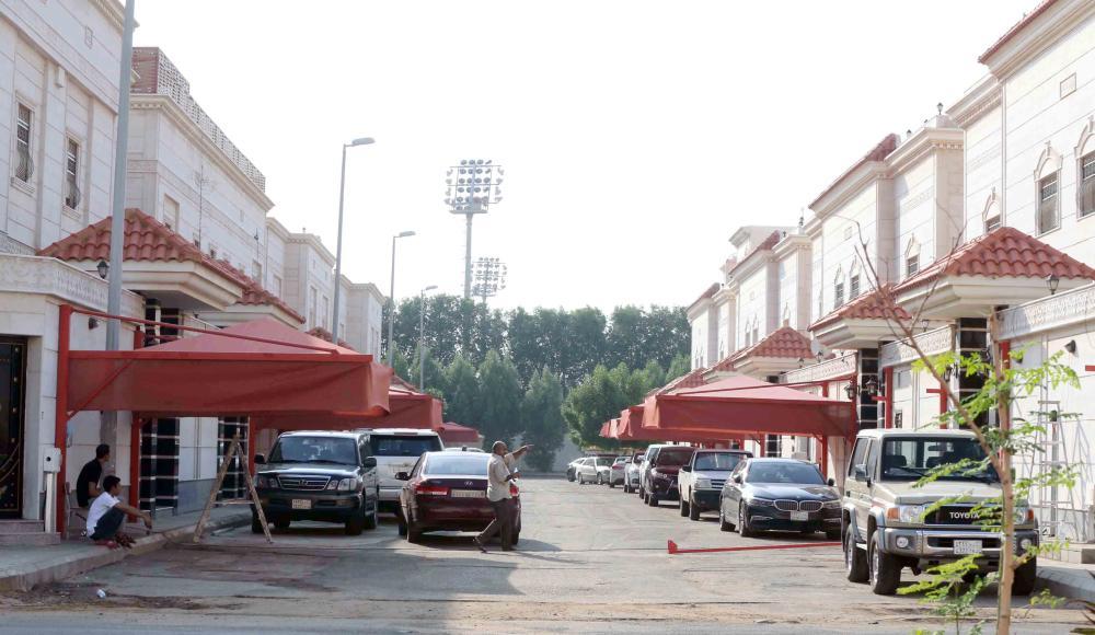مشهد عام للشارع المتفرع من دلة.