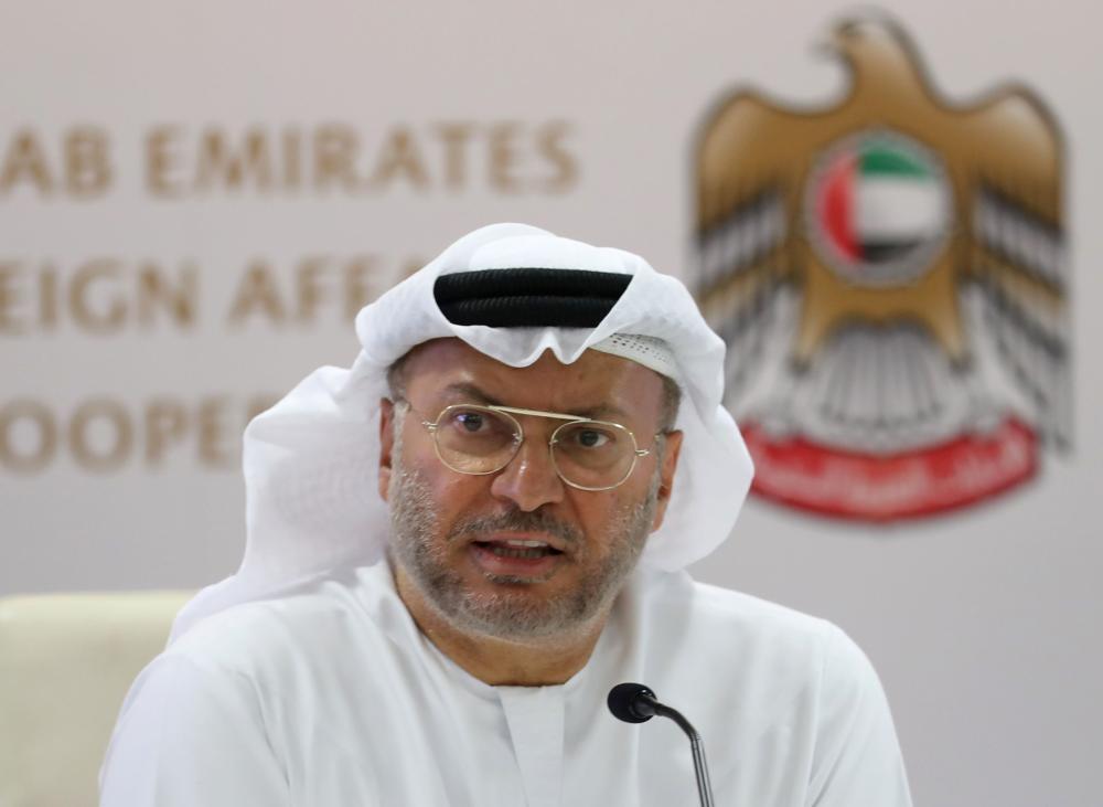 قرقاش: رفض «الشيوخ الأمريكي» قرار وقف بيع أسلحة للبحرين.. التزام بأمن الخليج