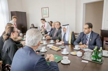 الربيعة خلال لقائه أعضاء مجموعة الصداقة البرلمانية البولندية السعودية. (واس)