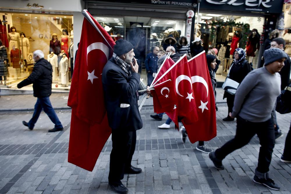 مزاد «الروايات الكاذبة» مزدهر.. الصحافة التركية تقفز بـ«الفبركات»؟