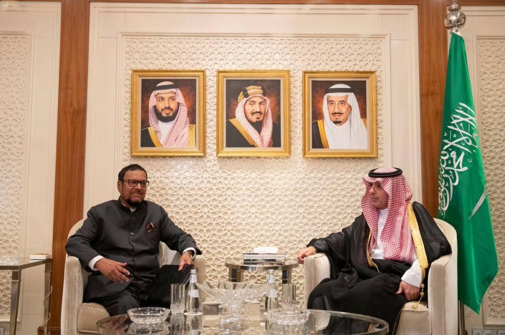 الجبير يبحث مع رئيس الحزب الحاكم بموريشيوس العلاقات الثنائية بين البلدين