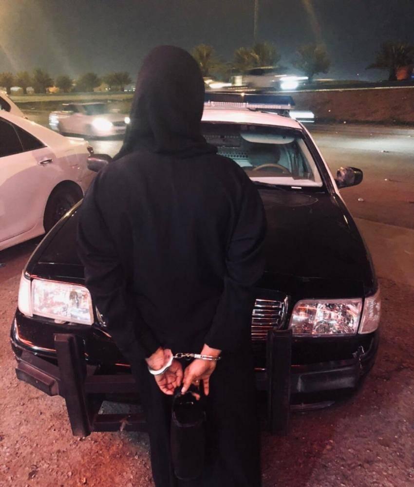 الوافدة في قبضة رجال الأمن