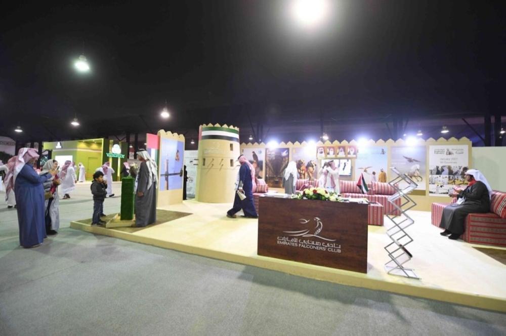 الإمارات تشارك بـ3 أجنحة في المعرض السعودي للصقور والصيد
