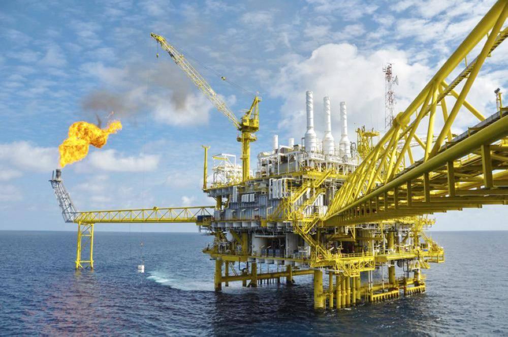 من المتوقع أن تخفض الدول النفطية إنتاجها قرابة مليون برميل يوميا.