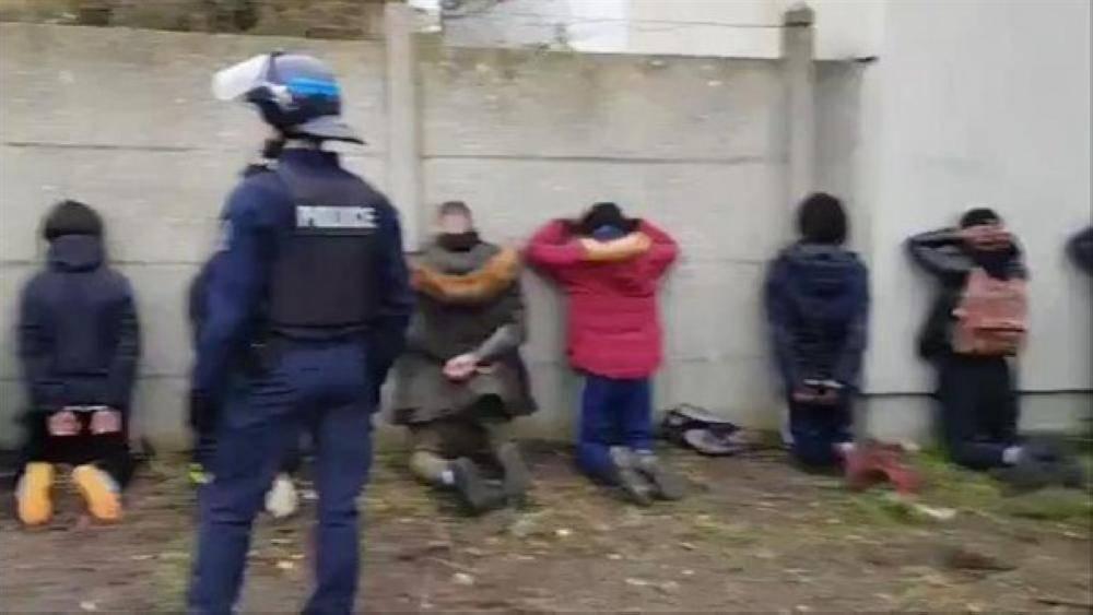 فرنسا تدافع عن استخدام الأساليب الأمنية الصارمة ضد الطلاب المحتجين