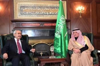 أمير تبوك مستقبلا القنصل اليمني