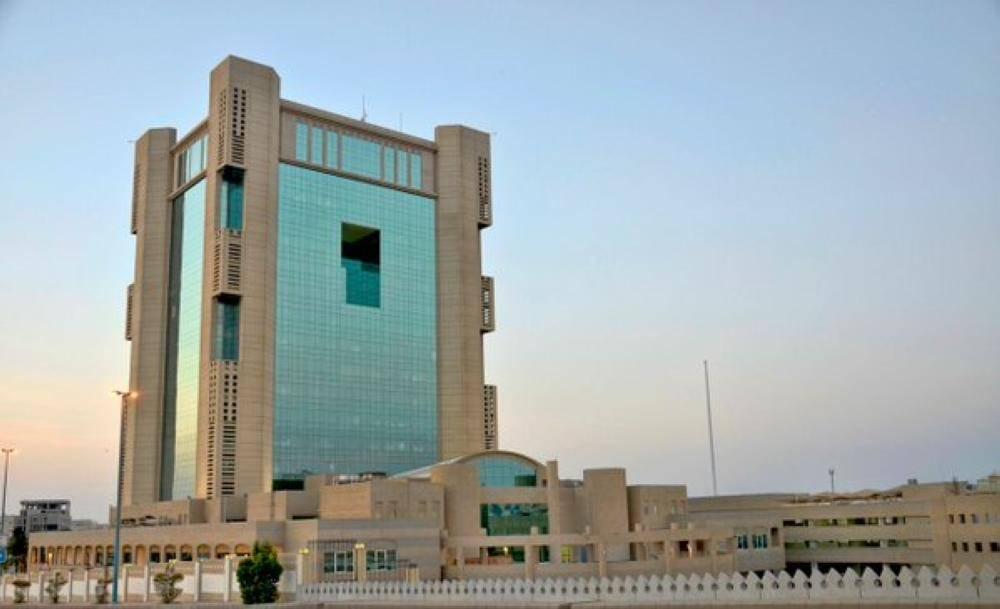 أمين جدة يصدر قرارا بإيقاف المعاملات الورقية واعتماد التوقيع الإلكتروني