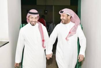 فهد بن خالد بصحبة عبدالله بترجي في مقر الأهلي.