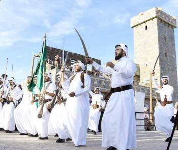 إحدى الرقصات الشعبية في القرية التراثية بالجنادرية.