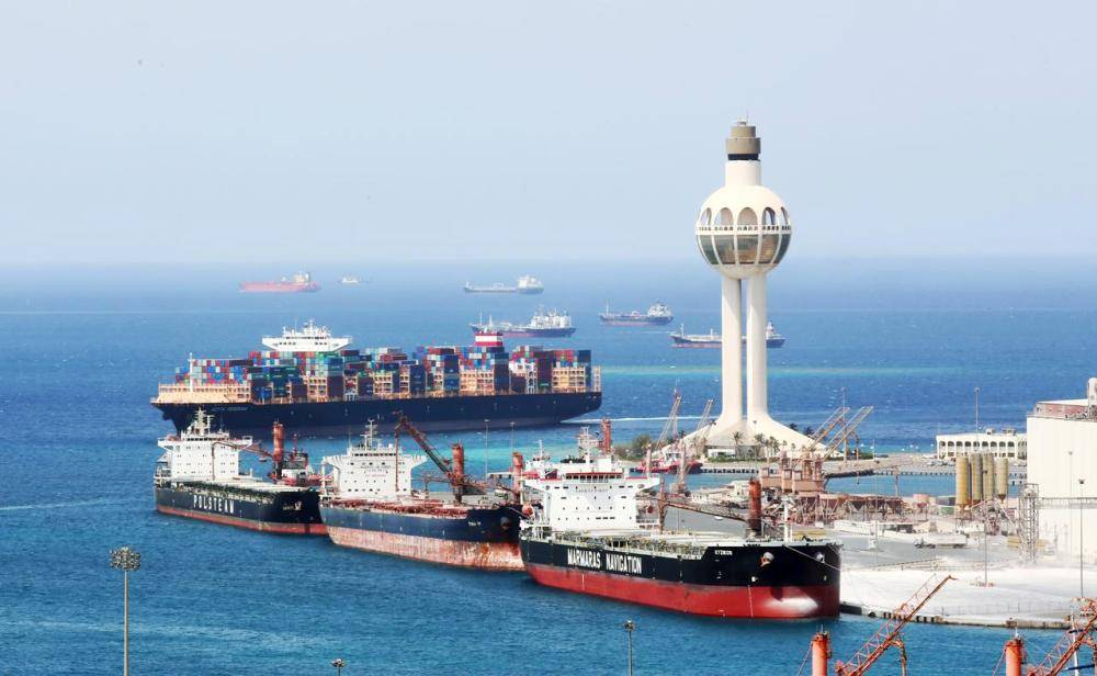 النظام البحري التجاري سمح للمستأجر تأجير السفينة بالباطن.