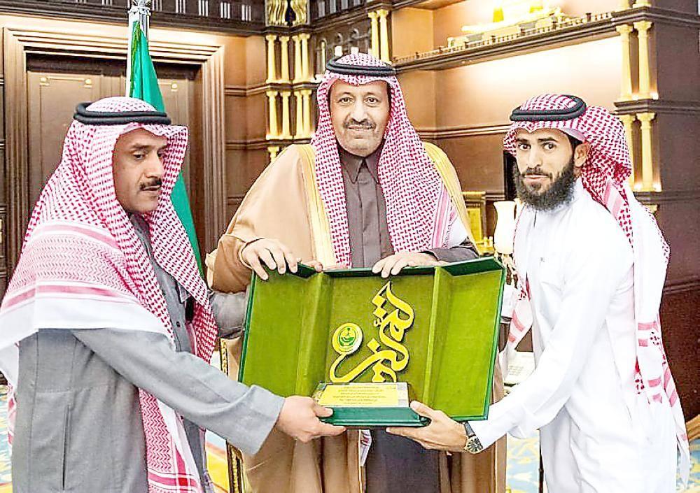 الأمير حسام بن سعود مكرما الغامدي. (عكاظ)