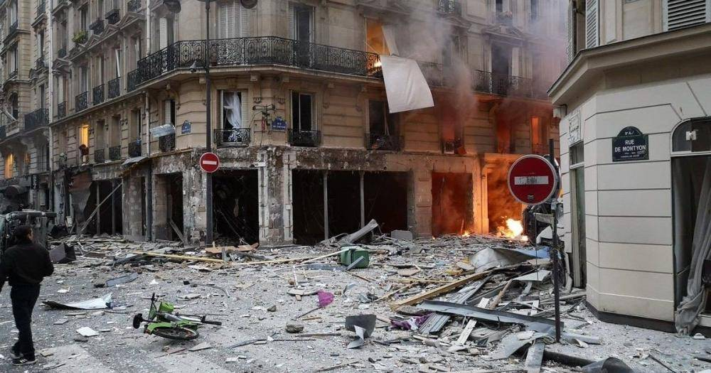 مقتل 4 في انفجار ضخم يهز وسط العاصمة باريس.. اليوم