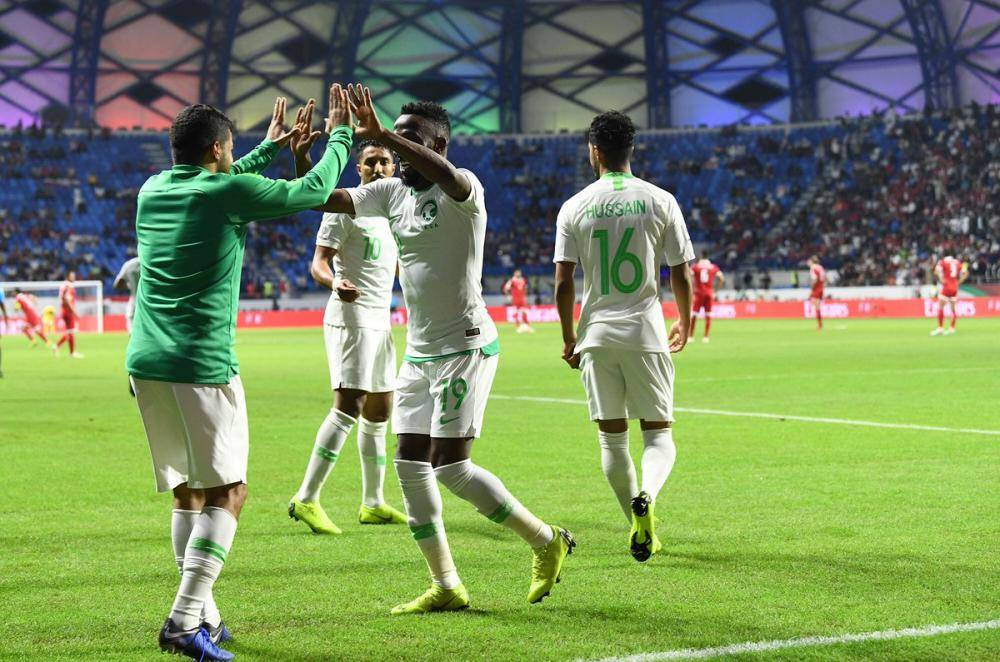«الأخضر» يتغلب على لبنان ويتأهل لدور الـ16