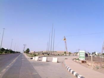حديقة الملك عبدالله تكتم أنفاس مرتاديها بسبب روائح الصرف.