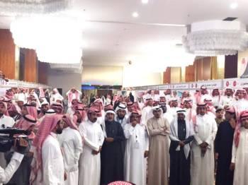 تواجد غفير من الناخبين تزامنا مع إعلان أسماء الفائزين.