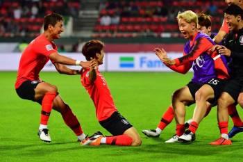 فرحة كورية جنوبية بالفوز على البحرين