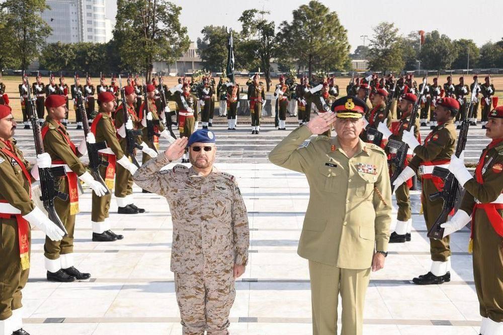 رئيس هيئة الأركان العامة ورئيس أركان الجيش الباكستاني