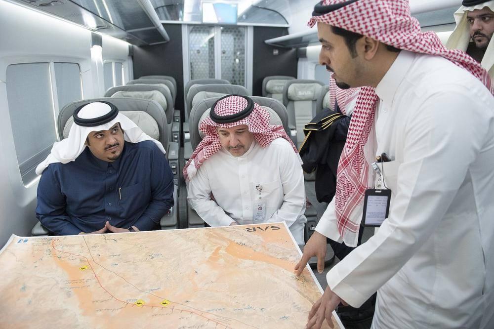 مستقلاً قطار الشمال.. نائب أمير منطقة الرياض يزور المجمعة