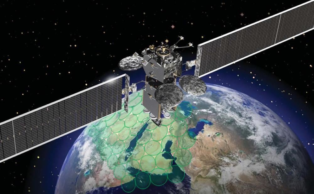 المملكة تطلق القمر السعودي للاتصالات SGS-1.. منتصف الليل