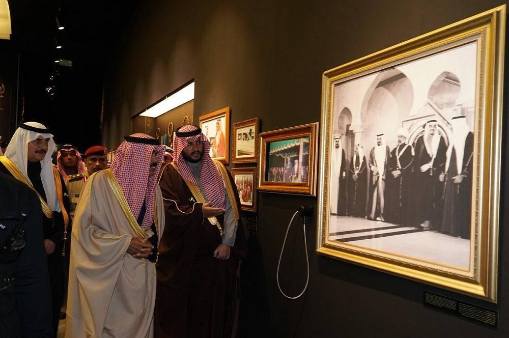 في أولى محطاته الخارجية.. ولي عهد الكويت يفتتح معرض «الفهد.. روح القيادة»