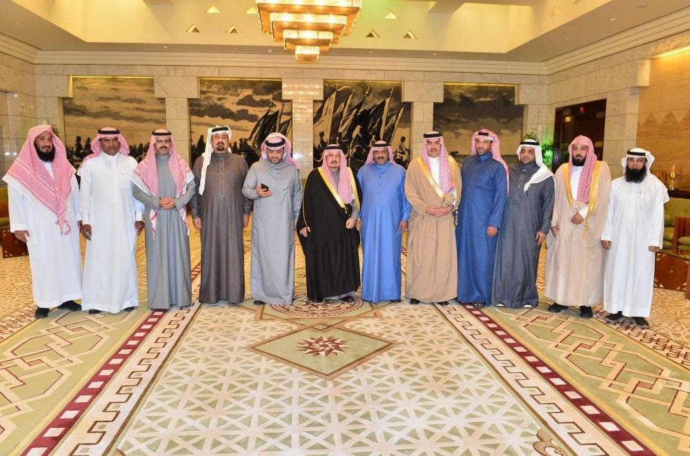 أمير الرياض يستقبل ورثة العنزي بعد تنازلهم عن قاتل أخيهم
