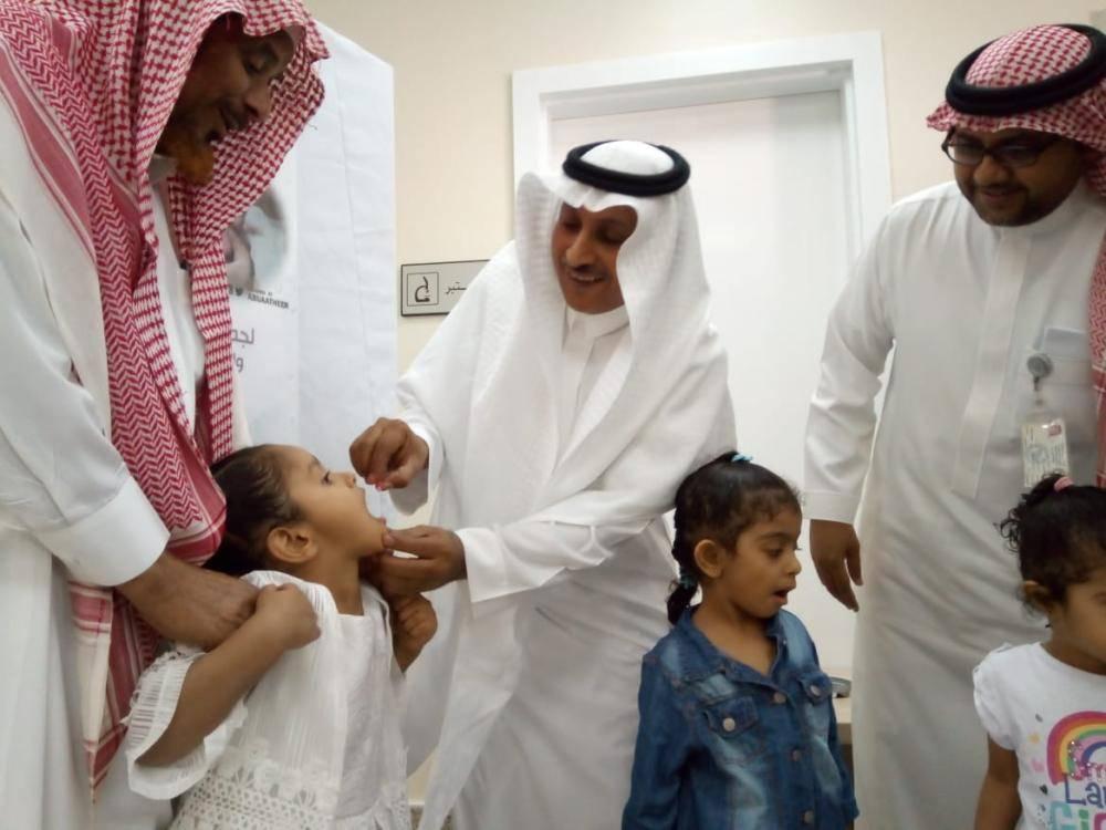 رئيس مركز الحكامية يدشن الجرعة الثانية لحملة شلل الأطفال
