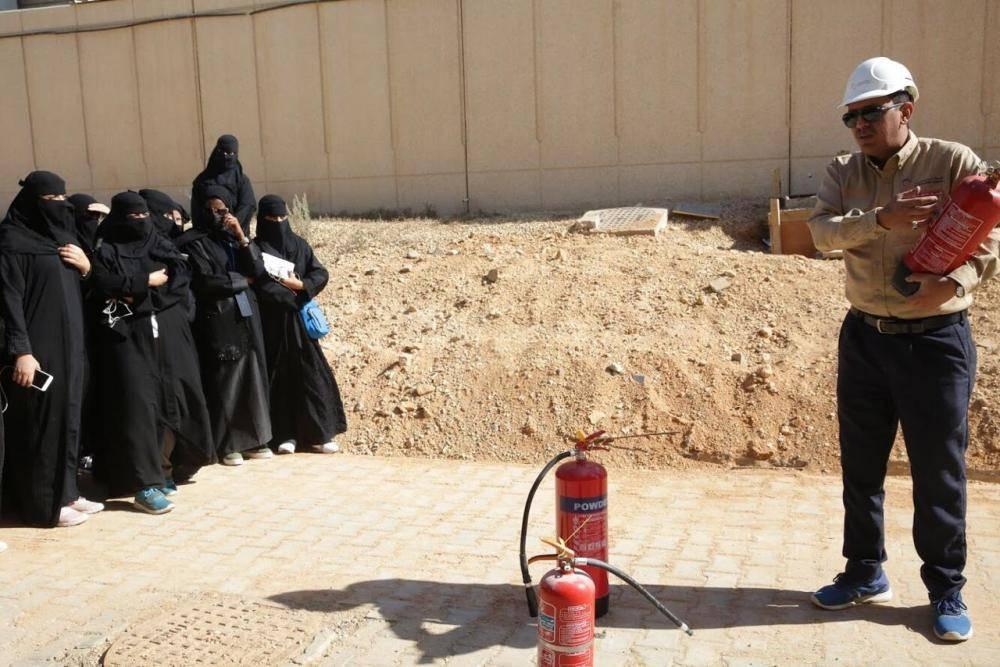 «السعودية للكهرباء» تؤهل «سيدات الإطفاء»
