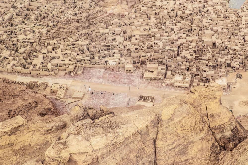 البلدة القديمة في العلا مليئة بالآثار والتاريخ.