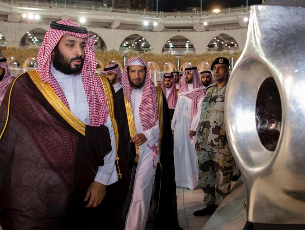 محمد بن سلمان يزور الحرم المكي ويتفقد مشروع التوسعة