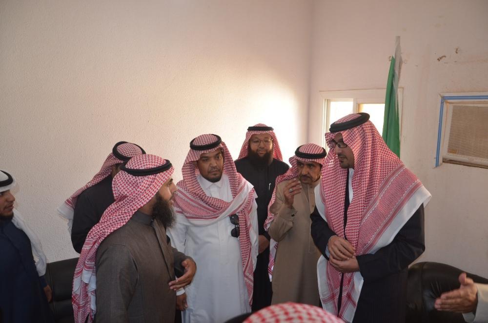 سعود بن خالد الفيصل يتفقد المواقع المتضررة من الأمطار في المدينة
