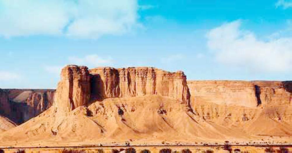 القدية تحتضن تحدي تسلق جبال طويق أخبار السعودية صحيفة عكاظ