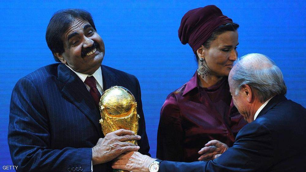 صنداي تايمز تفضح «قطر»: فازت بتنظيم كأس العالم «بدفع 880 مليون دولار سراً للفيفا»
