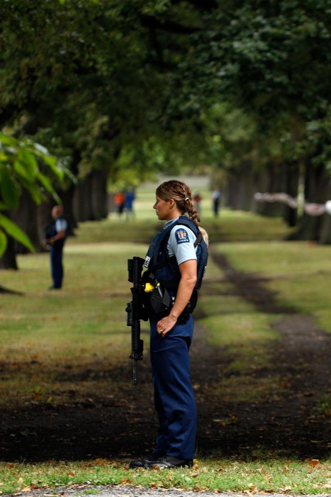 ارتفاع حصيلة الاعتداءين على مسجدين في نيوزيلندا إلى 49 شهيداً
