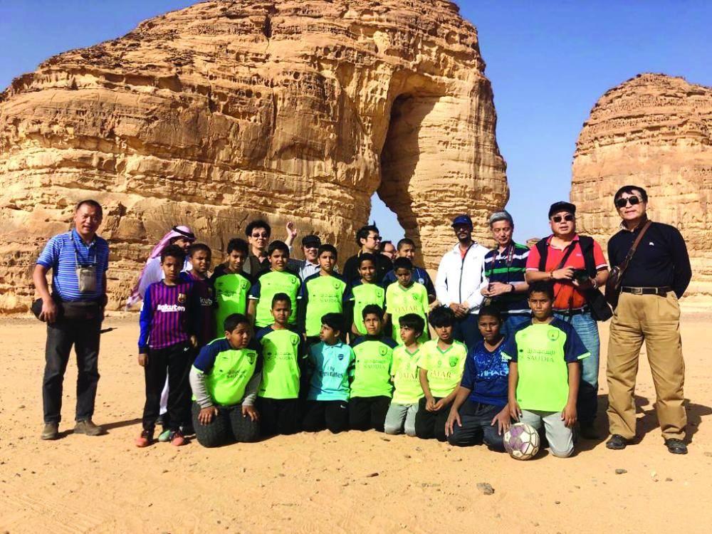 فريق مدرسة عثمان بن عفان.