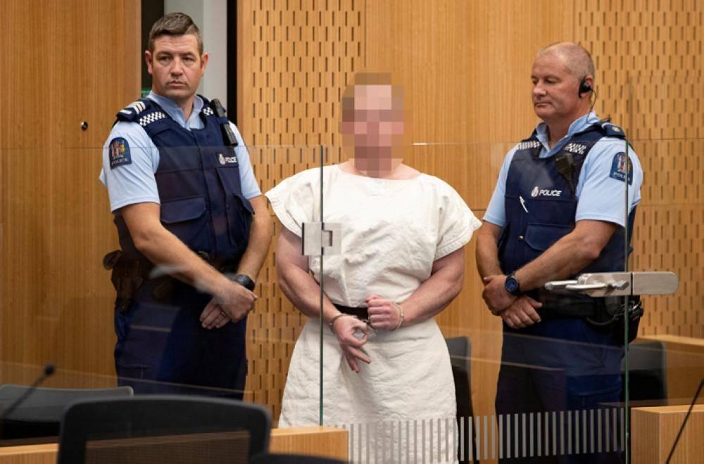 إرهابي نيوزيلندا يمثل أمام المحكمة بتهمة القتل