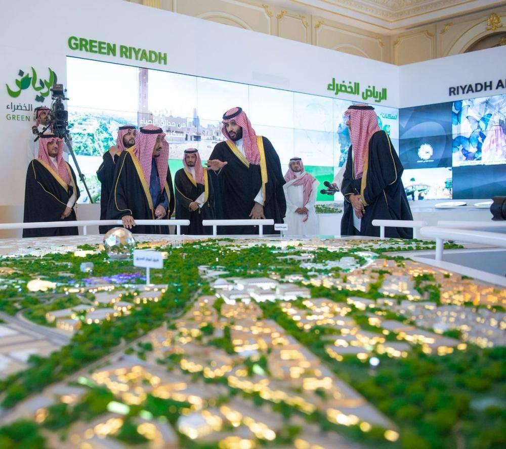 الملك سلمان يطلق 4 مشاريع نوعية كبرى بـ86 مليار ريال في الرياض