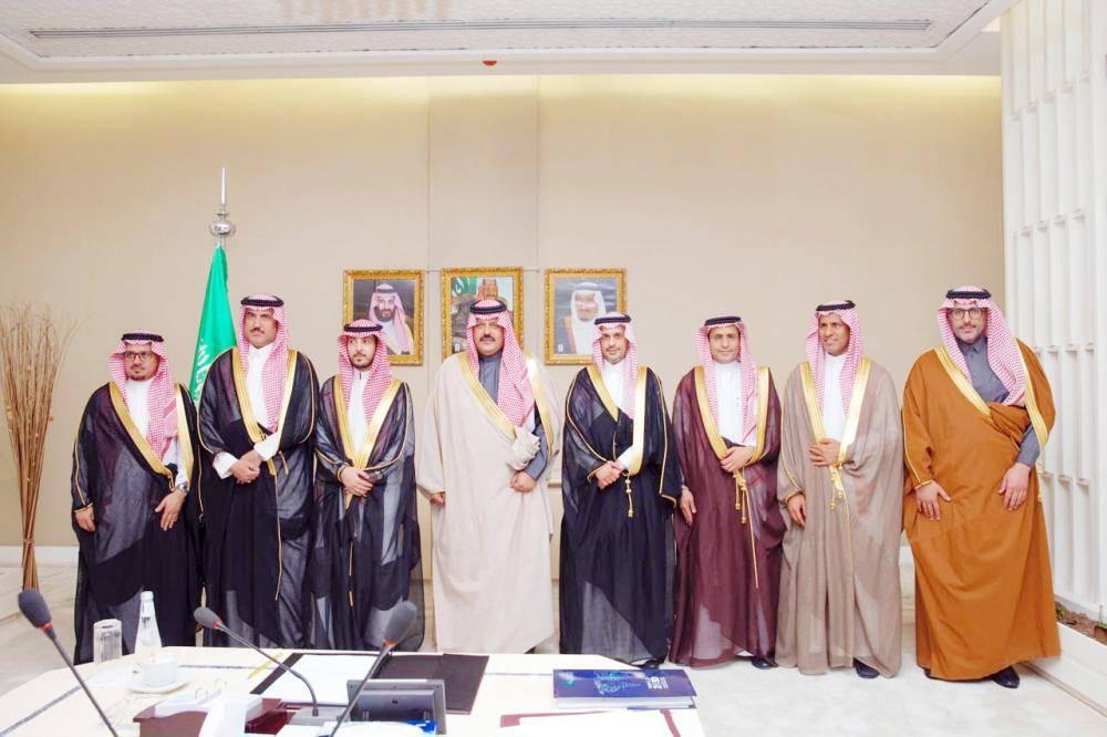أمير حائل يستقبل نائب وزير الاتصالات وتقنية المعلومات.