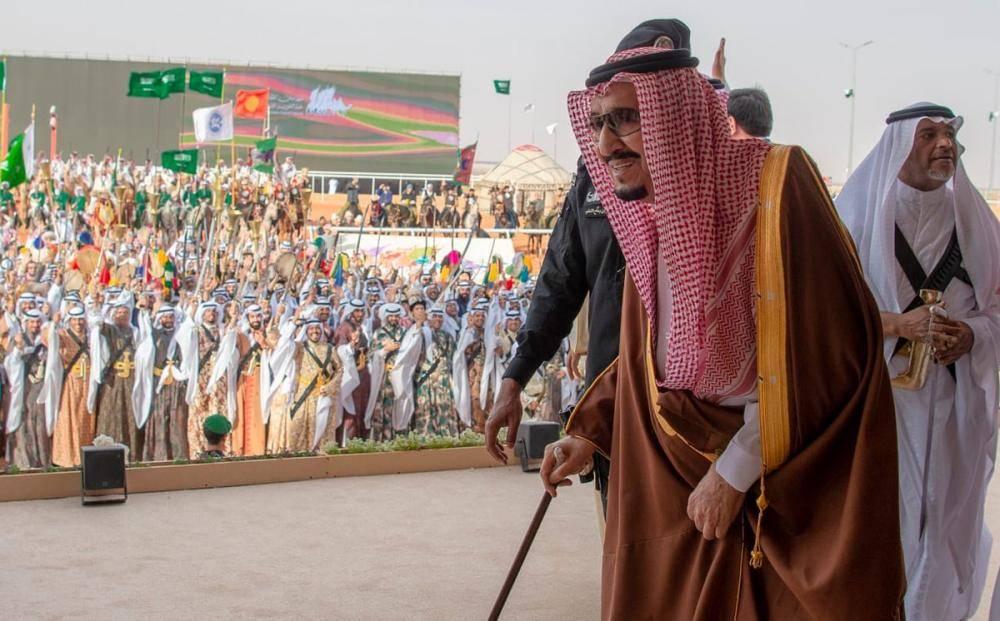 الملك سلمان يرعى الحفل الختامي لمهرجان الملك عبدالعزيز للإبل الثالث